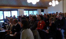 5. Zum Auftakt stellten die Universitäten und Dorfgruppen gemeinsam das Projekt und ihre Anliegen den Eifeler Gemeindekollegien und der interessierten Öffentlichkeit vor.
